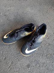 Nike Hallenturnschuhe Gr 36