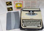 Alte Mercedes Reiseschreibmaschine - Schreibmaschine im