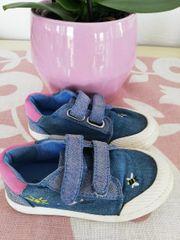 Tolle Schuhe mit schönen Stickereien