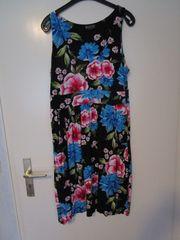 Damen- Sommerkleid schwarz mit Blumenmuster