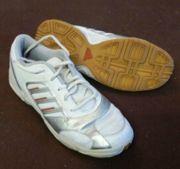 Hallenschuhe Adidas weiß