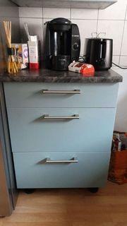 küche in der farbe Aquablau