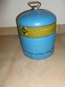 Gasflasche GAZ Campinggas leer: Kleinanzeigen aus Unterhaching - Rubrik Campingartikel