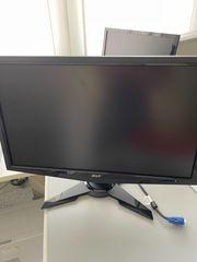 4 versch Flachbildschirme von Acer