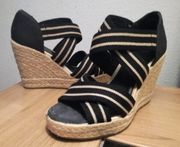 Sandalen mit Keilabsatz Gr 38