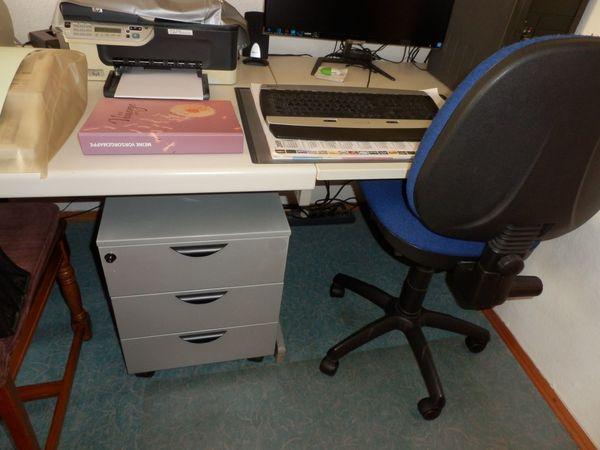 Bürocontainer für Büro und Schreibtisch