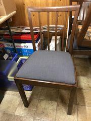 3 alte stabile Stühle