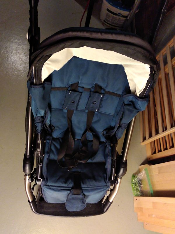 Mutsy Evo Kombikinderwagen inkl Babytragetasche