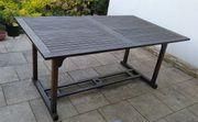 Gartentisch aus Hartholz