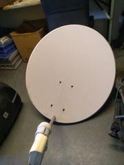 Satellite TV Empfangs Schüssel mit
