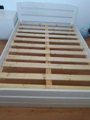 Starkes mit Echtholz Latten Bett