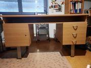 Verschenke gut erhaltenen Schreibtisch in