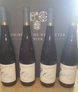 12x Weisswein Riesling Bischöfliche Weingüter: Kleinanzeigen aus Remseck - Rubrik Essen und Trinken