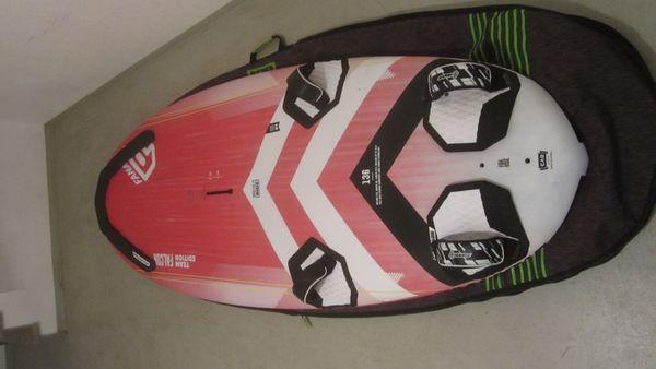 Windsurfausrüstung Mast Gabelbaum Segel Surfboard