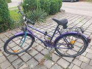 Fahrrad mit Trapez-Rahmen