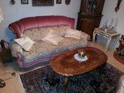 besondere Couchgarnitur mit Couchtisch