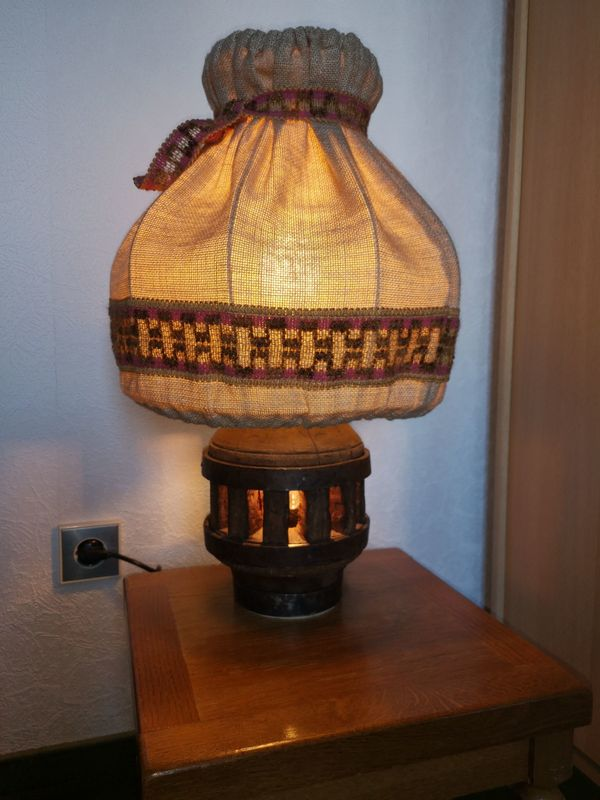 Rustikale Tischlampe
