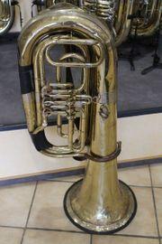 Gebrauchte B - Tuba zur Deko