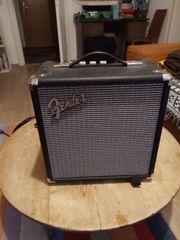 Kleiner Fender Bassverstärker