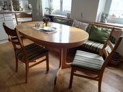 Esstisch mit Stühlen u Bank