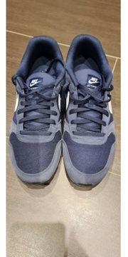 Schuhe NIKE Md Runner 2