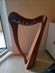 22 Saiten Harfe aus Walnuss