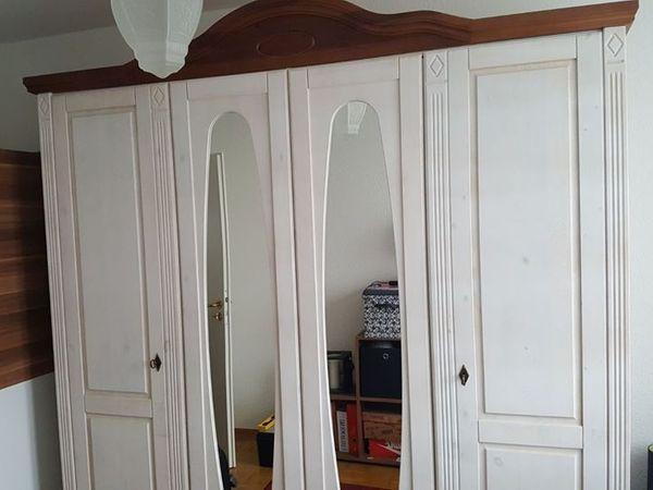 4turiger Kleiderschrank Rustikal Mit Zwei Spiegel In Worms