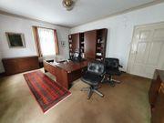 Gepflegte Büroeinrichtung der Firma Renz