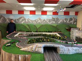 Modellautos - Carrera-Bahn sehr groß