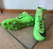 Nike Fussballschuhe in Karlsruhe Sport & Fitness
