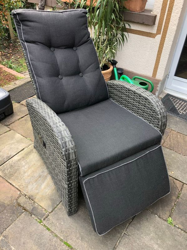 Korb-Sessel-Liege stufenlos verstellbar