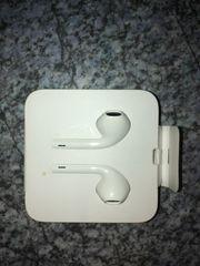 APPLE EarPods mit Lightning Connector