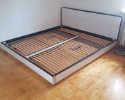 Doppel-Bett