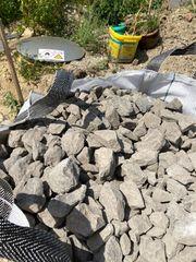 Basaltsteine 1m3