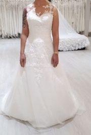 Brautkleid in Ivory Größe 40