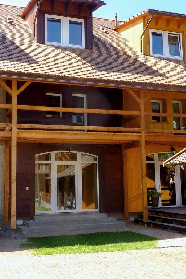 Massives Reihenhaus Innen Und Außendämmungholzverkleidung In