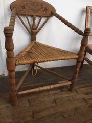 Antiker Stuhl Dreibeiner