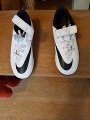 Nike Kinder kickschuhe