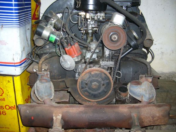 VW-Käfer Oldtimer Motor 1200 34