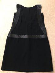 Ausgefallenes Kleid im Nachtblau von