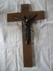Altes Kruzifix Kreuz aus Holz