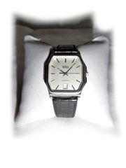 Schöne Armbanduhr von BWC