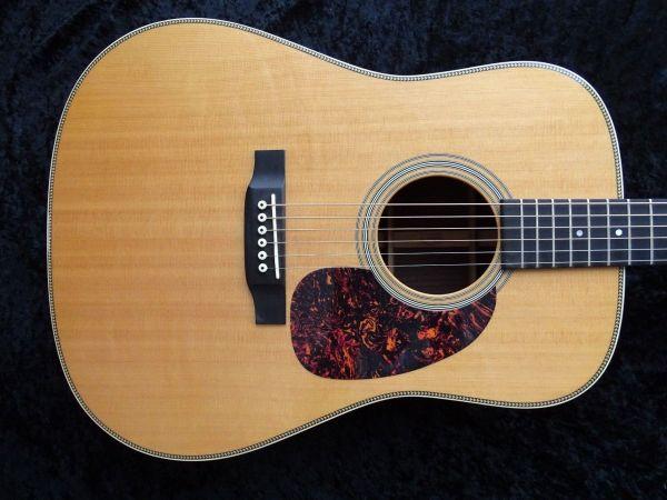 Martin HD-28 - » Gitarren/-zubehör