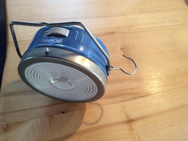 DAIMON Camperlampe mit Batterien - Kirchheimbolanden - Praktische CamperlampeDurch Haken überall zu befestigen, am Baum, im Zelt oder WohnmobilFunktioniert durch zwei große BatterienVersand möglichPrivatverkauf keine Garantie, keine Rücknahme - Kirchheimbolanden