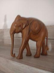 Holzelefant org afrika