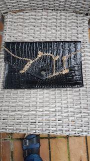 Klassisch elegante Abendtasche