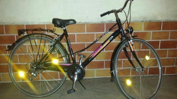 damen city fahrrad 26 gebraucht kaufen nur 4 st bis 75. Black Bedroom Furniture Sets. Home Design Ideas