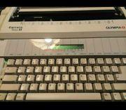 Schreibmaschine AEG Olympia Carrera II
