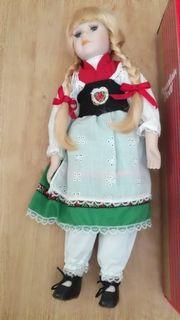 Porzellan Puppe in Tracht