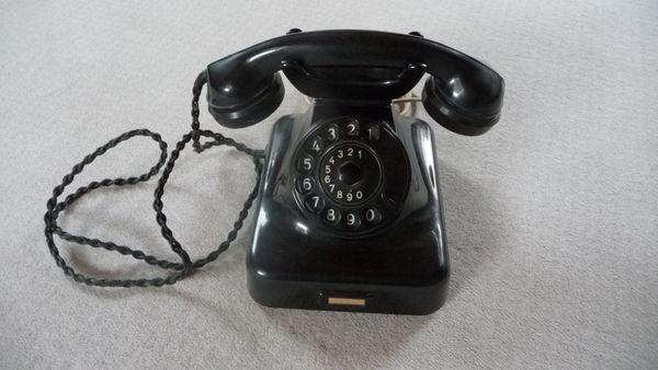 Orginal Wählscheibentelefon von Post Top